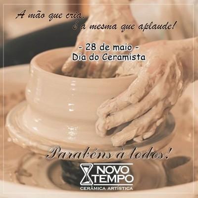 Parabéns à todos os nossos colaboradores e aos colegas de profissão ❤️ Porto Ferreira, a capital da cerâmica artística e da decoração. Temos orgulho em fazer parte desta história a quase 30 anos!  #diadoceramista #ceramica #orgulho #portoferreira #ceramicanovotempo