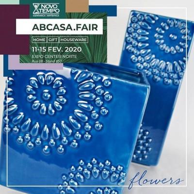 A Linha Flowers está um encanto só! E ainda tem outras 4 cores maravilhosas! Você não pode perder! Esperamos por você em nosso stand na Feira AB CASA! Não deixe de nos visitar, na Rua 08, St 857.  #ABCasafair2020 #EuSouDeCasa #JuntosSomosMuitoMaisFortes #ParaVoceVenderMais #VemPraABCasaFair  #linhaflowers #flowers #azul #azulpersia #cores #lançamentos #abcasa #feira #vendas #centernorte #novidades #ceramica #decoração #vasos #cachepots #inspiração #beleza  #instadecor #ceramicanovotempo #casa #decorstyle #design #designdeinteriores #instadecor #instadesign