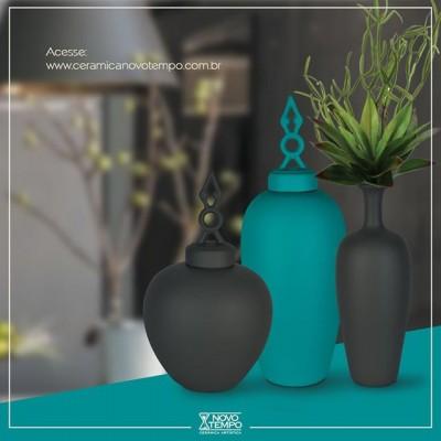 As cores matte são a tendência do momento.  Aposte nessa novidade e deixe sua loja ainda mais linda!  Veja a linha completa em nosso site e faça seu orçamento: www.ceramicanovotempo.com.br 😉  #linhalamatte #cores #tendencia #azul #rose #palha #cinza #grafite #mantra #chocolate #ceramica #decoração #linhantiqua #cimento #vasos #cachepots #inspiração #beleza #ceramicanovotempo #casa #decorstyle #design #designdeinteriores #instadecor #instadesign #arranjos #lojistas #atacado #portoferreira